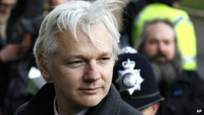 Julian Assange: Ecuador grants Wikileaks founder asylum