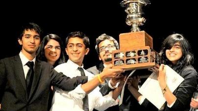 Pakistani debaters clinch int'l contest
