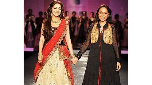 Madhuri Dixit, the 'Devi' of Anju Modi's couture