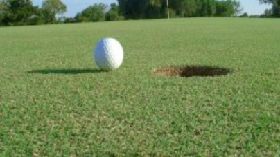 Matloob and Asif still cling to lead in Sayid Paper Open Golf