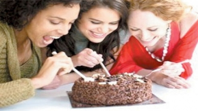 Dining with friends can make you fat