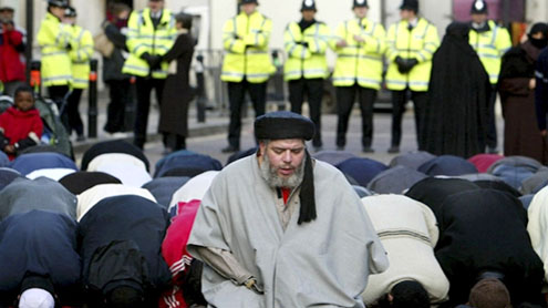 British court halts extradition of Abu Hamza to the U.S.