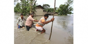 Floods, landslides displace 1m in India