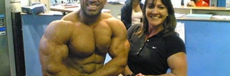 Pak bodybuilder awaits Indian visa for contest in Delhi