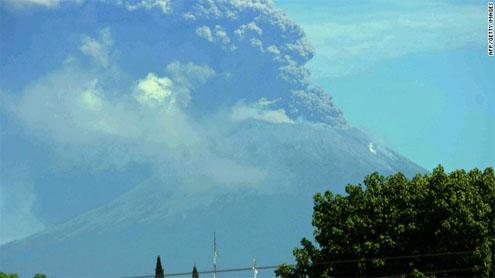 Nicaragua's San Cristobal volcano forces mass evacuation