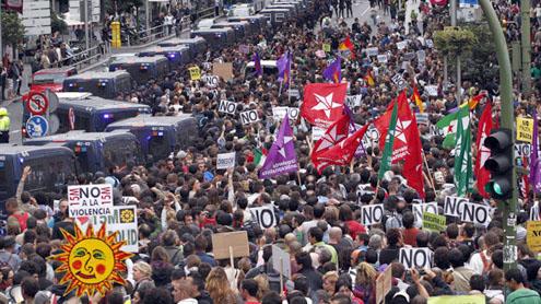 Spaniards rage against austerity near Parliament