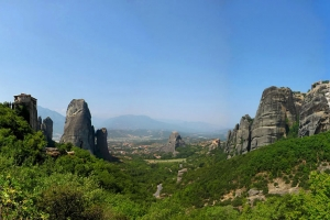 A-view-of-Meteora