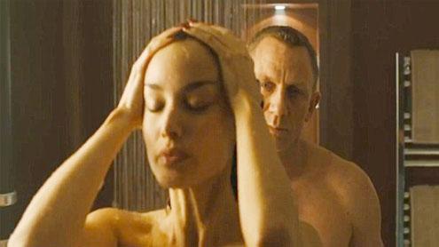 Daniel Craig shows Bond strip