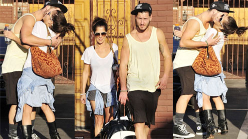 Kelly Monaco and Val Chmerkovskiy put on a flirty show