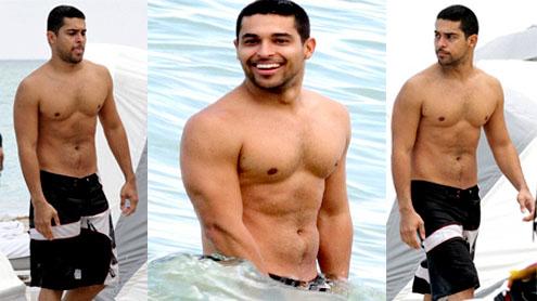 Shirtless Wilmer Valderrama