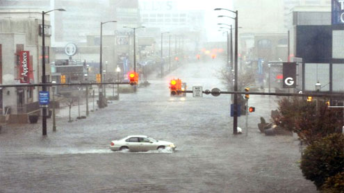 Sandy slams into New Jersey