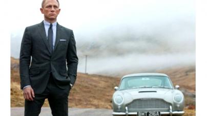 Daniel Craig James Bond star passes US driving test