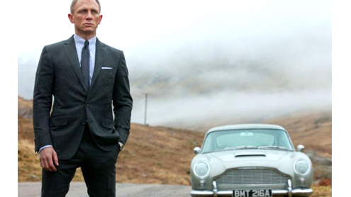 Daniel Craig James Bond star passes US driving test