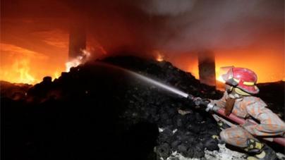 Garment factory fire kills at least 120