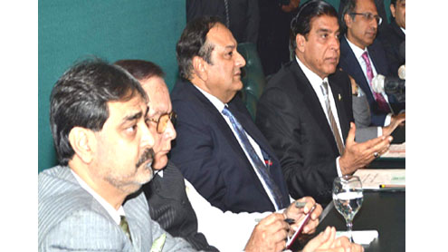 Government ready to implement doable proposals of business community: PM