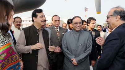 Zardari acts to regain trust of estranged Gilani