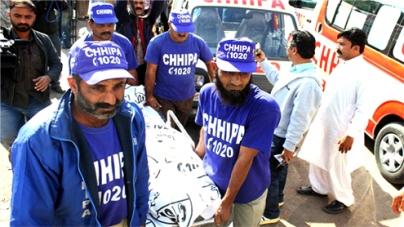 Anti-polio teams attacked in Karachi, Peshawar, 5 shot dead several hurt