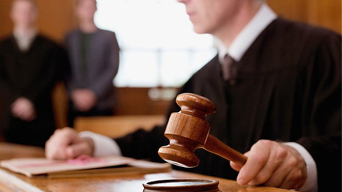 Become a lawyer with no degree, pupils told