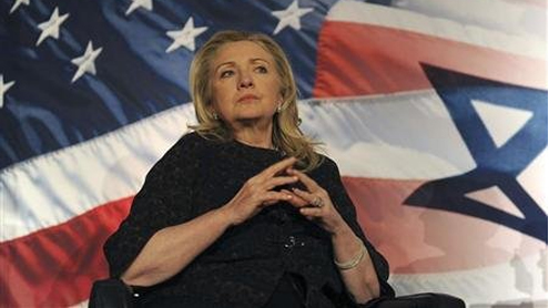 Clinton in Prague to lobby for Westinghouse nuclear bid