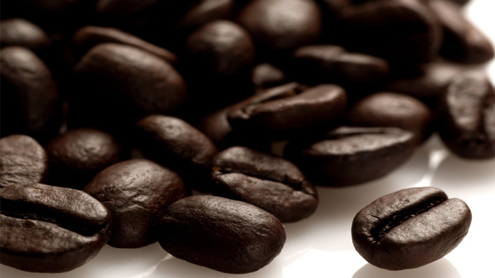 'Coffee slashes mouth cancer risk by half'