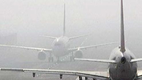 Dense fog engulfs Lahore