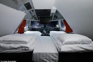 Jumbo Hostel Plane 3