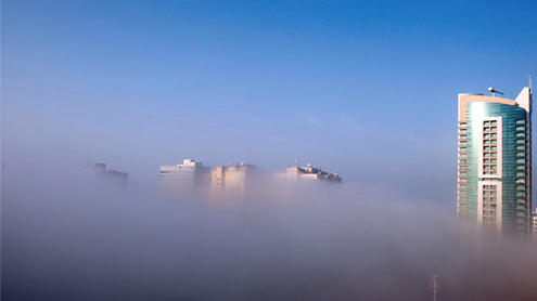 Heavy fog disrupts air and road traffic in UAE