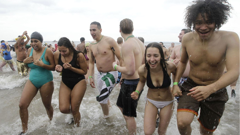Hundreds ring in 2013 with icy plunge in NY waters