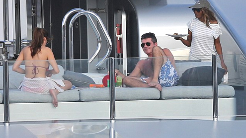 Simon Cowell With His Mum And His Exes Spend A Week On Luxury £270,000  Super Yacht
