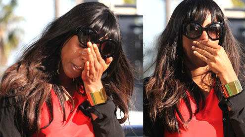 Kelly Rowland in tears after birthday lunch with Beyonce