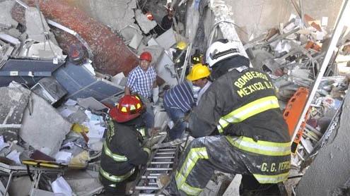 blast at state oil firm Pemex kills 25