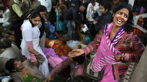 Stampede kills 15 at India railway station