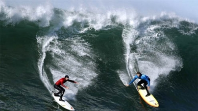 World's best big wave surfers compete at Mavericks