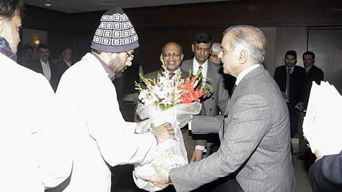 YDA calls off hunger strike after Meeting Shahbaz Sharif