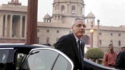 Airports alerted to prevent Italy envoy from flying out