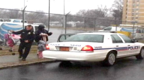 Cop's Good Deed Goes Viral
