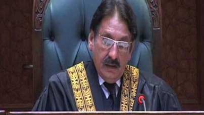 CJP takes suo motu notice of funds doled out by former PM