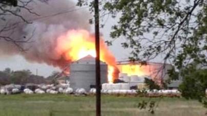Explosion hits fertilizer plant north of Waco, Texas