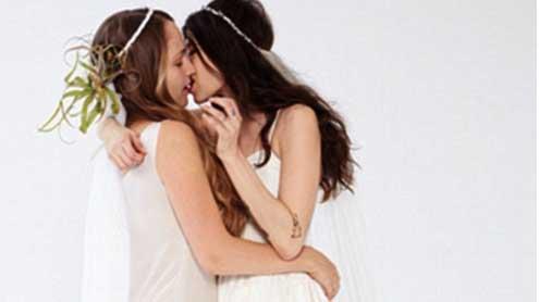 Girls star Jemima Kirke kisses jewelry designer Pamela Love