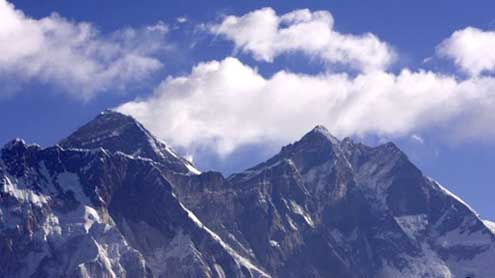 Nepal Vows to Secure Everest After Brawl