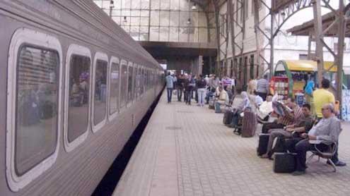 Strike paralyzes Egyptian railways
