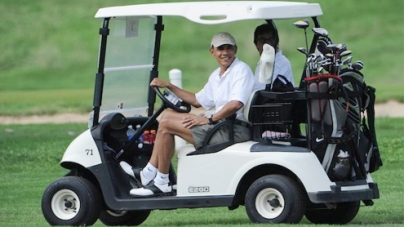 Obama heads out for bipartisan golf game