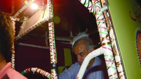 Shahbaz misses the Metro, catches a rickshaw