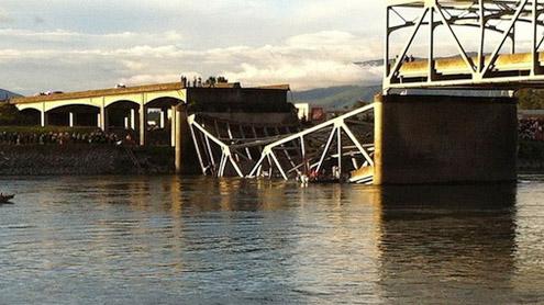 US road bridge collapses into Skagit River, Washington