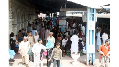 Water, missing facility at Railway station