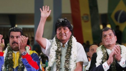 Bolivia 'could close' US embassy after plane incident