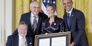 Obama, Bush Highlight Importance of Volunteerism