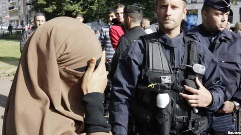 Muslim Veil Incident in Paris