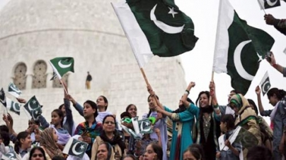 Independence Day celebrated with renewed pledges for prosperous Pakistan