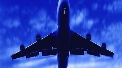 Terrifying Near Miss As Two Jumbo Jets